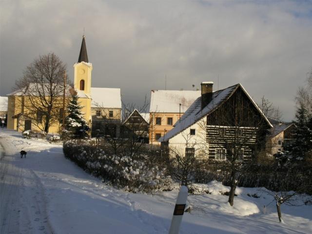 Pohled na zasněžené Staňkovice