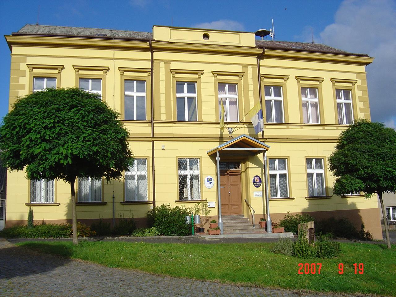 Budova obecního úřadu a ubytovny