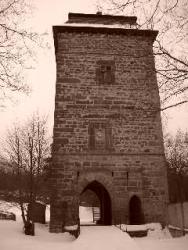 Tuchoraz - vstupní věžovitá brána