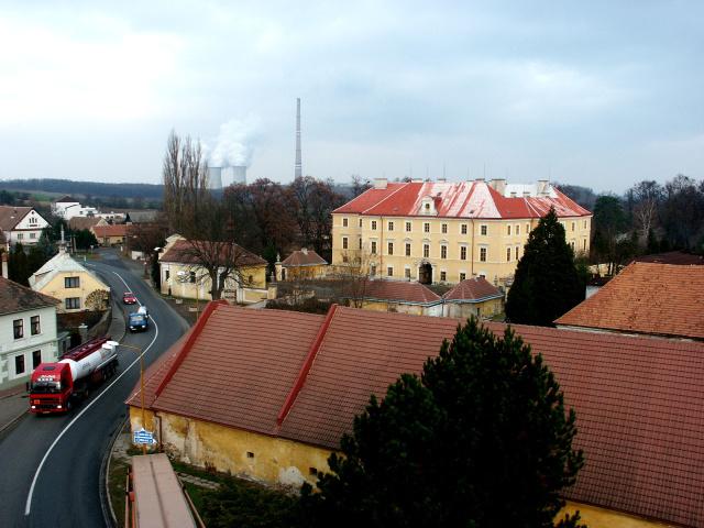 Zdechovice - náves, Zdechovice - zámek