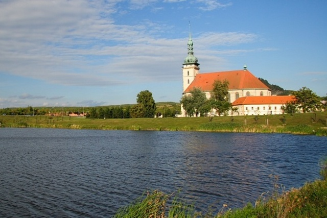 Kostel Nanebevzteí Panny Marie - Most