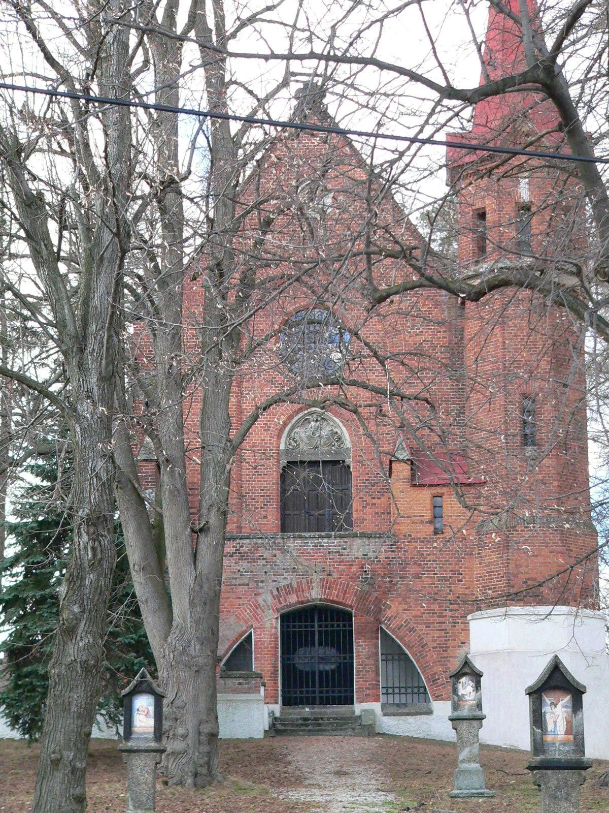 OBEC NETÍN - hrobka rodu Lobkowiczů