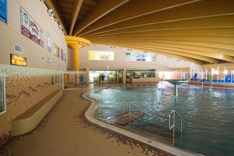 8a544f0d3c4 ... Krytý bazén Valašské Meziříčí 5 ...